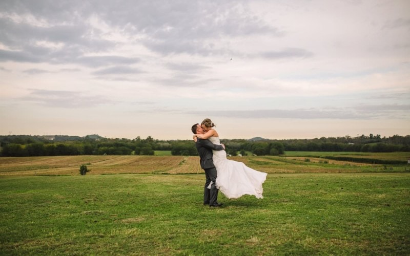 Amy-Ross-Belgenny-Farm-Wedding_0001.jpg