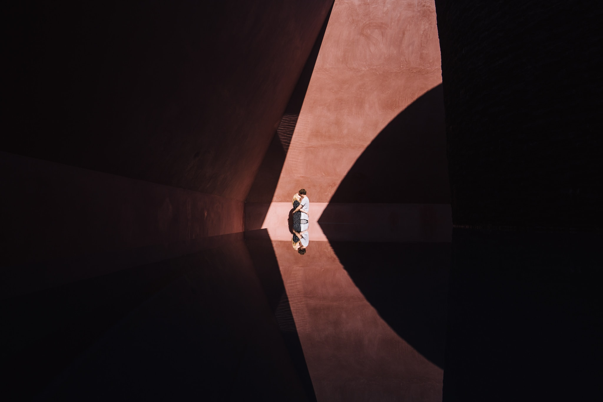 Bride and Groom in the sky dome at the National Gallery of Australia during their engagement shoot in Canberra